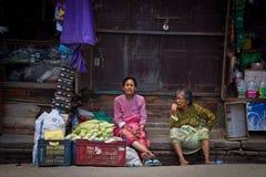 2 пожилых дамы Катманду, Непал, Стоковое фото RF