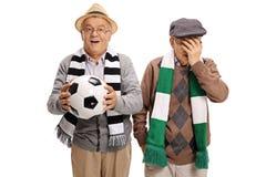 2 пожилых футбольного болельщика Стоковые Фото