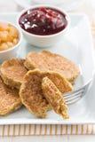Позавтракайте с очень вкусными блинчиками и вареньями, вертикальными Стоковые Изображения RF