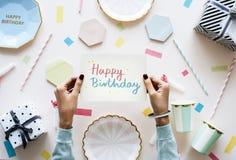 Поздравительая открытка ко дню рождения с днем рождений в вечеринке по случаю дня рождения Стоковые Изображения RF