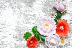 Поздравительная открытка приглашения свадьбы или годовщины или ` s матери модель-макет карточки дня украшенный с цветками Стоковое Изображение