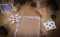 Поздравительная открытка рождества пустая на винтажной предпосылке Стоковое Изображение RF