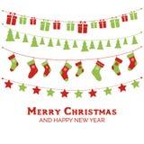 Поздравительная открытка с гирляндами, рождество рождества забавляется, чулки, подарочные коробки иллюстрация штока