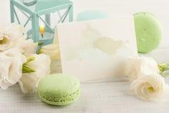 Поздравительная открытка с пастельной акварелью брызгает, macaro голубого зеленого цвета Стоковая Фотография RF
