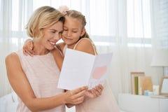 Поздравительная открытка чтения стоковая фотография