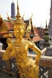 позолоченная золотистая статуя Стоковые Фото