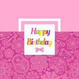 Поздравительая открытка ко дню рождения с цветками, сердцами, медведем и ключом Стоковые Фотографии RF