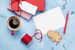 Поздравительная открытка и подарочные коробки рождества Стоковое Изображение RF