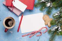 Поздравительная открытка и подарочные коробки рождества Стоковое Фото