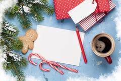Поздравительная открытка и подарочные коробки рождества Стоковое Изображение