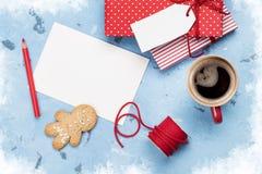 Поздравительная открытка и подарочные коробки рождества Стоковые Изображения RF