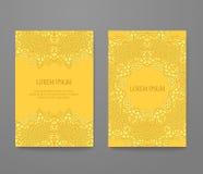 Поздравительная открытка украшенная с комплектом шнурка золота Стоковые Изображения