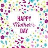 Поздравления на празднике дня ` s матери Надпись на сердце окруженном цветками Светлая яркая весна Стоковая Фотография RF