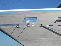 Поиски Azamara, туристский вкладыш в порте Большой туристский корабль стоковое изображение rf