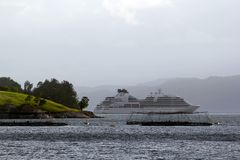 Поиски MV Seabourn около Aenes, Норвегии стоковое фото