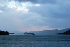 Поиски MV Seabourn около Aenes, Норвегии стоковая фотография rf