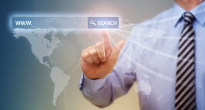 Поиск глобальных связей интернета Стоковая Фотография RF