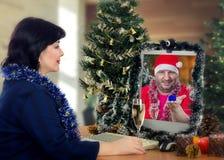 Поистине большое предложение руки и сердца на Рожденственской ночи Стоковое Фото
