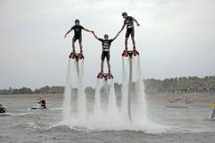 Покажите flayboards Люди на досках летания Стоковая Фотография RF