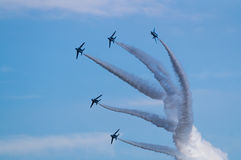 Показательные полеты голубого импульса Стоковое Изображение RF