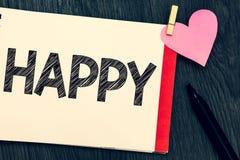 Показывать примечания сочинительства счастливый Довольство чувства фото дела showcasing или удовольствия показа о что-то персона стоковое фото