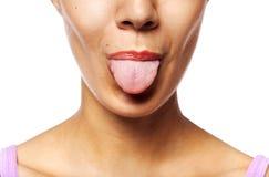 показывать детенышей женщины языка Стоковое Изображение RF