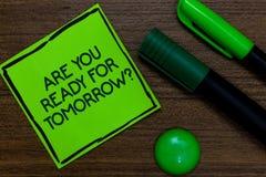 Показ знака текста вы подготавливает для вопроса о завтра Схематическая подготовка фото к будущей мотивировке написанной на липко стоковое изображение rf