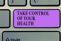 Показ примечания сочинительства принимает управление вашего здоровья Жизнь баланса фото дела showcasing интегрирует здоровье и фи стоковое фото