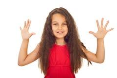 показ 10 девушки перстов счастливый Стоковые Фотографии RF
