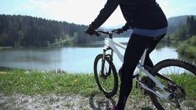 Покатая отделка гонка на озере сток-видео
