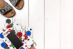 Покер средств массовой информации блога столба социальный Модель-макет плана шаблона знамени для онлайн казино Деревянная белая т стоковое фото rf