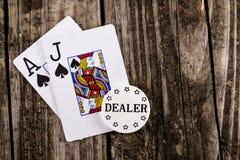 Покер черного Джека на древесине стоковое изображение rf