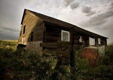 покинутая дом фермы стоковая фотография rf
