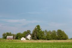 Покинутая сельская усадьба с космосом экземпляра Стоковые Фотографии RF