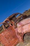 покинутая старая заржаветая тележка Стоковые Фотографии RF