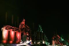 Покинутая сцена ночи завода Bethlehem Steel завода по изготовлению стали старая Стоковое Фото