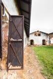 Покинутая тюрьма в Salvation& x27; острова s, Французские Гвианы стоковое фото rf