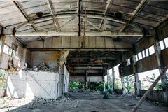 Покинутая фабрика, покинутый склад Стоковое фото RF