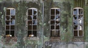 покинутая фабрика старая Стоковое Изображение