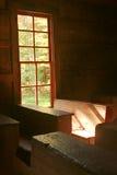 Покинутая церковь с солнечным светом через окно Стоковая Фотография