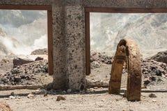 Покинутая шахта на белом острове Стоковая Фотография