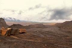 Покинутая шахта - поврежденный ландшафт после минирования руды Стоковые Изображения RF