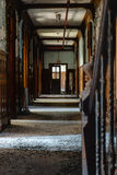 Покинутая школа для мальчиков - прихожая - Нью-Йорк Стоковые Фото
