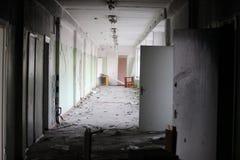 Покинутая школа стоковая фотография