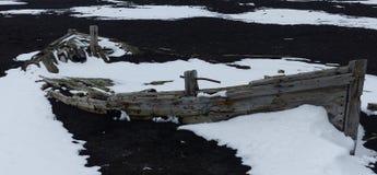 Покинутая шлюпка ` s китобойного судна, Антарктика Стоковое Изображение RF