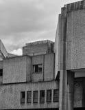 Покинутое бетонное здание 1960s Стоковые Изображения RF