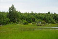 покинутое выскальзование берега озера docs Стоковая Фотография