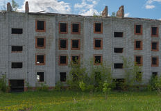 покинутое здание кирпича Стоковое Изображение