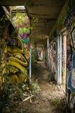 Покинутое здание с граффити 1 Стоковые Изображения