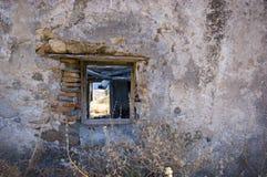 покинутое окно сельского дома Стоковые Фото
